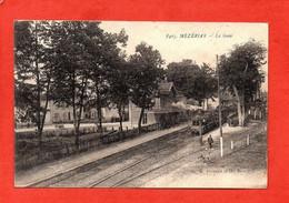 Mézériat - La Gare - Bahnhöfe Mit Zügen