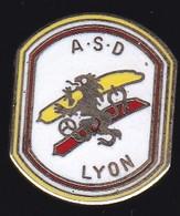66911- Pin's.ASD . Aide-soignante à Domicile.Lyon. - Medici