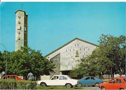 COTE D'IVOIRE - BOUAKE - La Cathédrale - Voiture - Costa D'Avorio