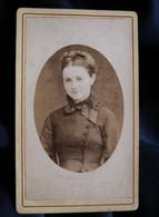 Photo CDV Emile Tiger - Portrait Femme, En Médaillon, Circa 1875-80 L521A - Oud (voor 1900)