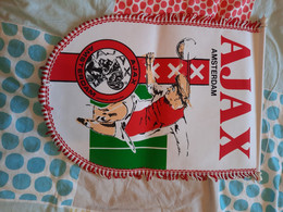 Fanion De L'AJAX AMSTERDAM - Abbigliamento, Souvenirs & Varie