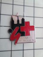 SP18 Pins Pin's / Rare & Belle Qualité THEME MEDICAL / CROIX-ROUGE COMITE DE ROUEN - Medici