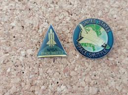 LOT DE 2 PINS AVIATION AVION SPACE SHUTTLE UNITED STATES NASA - Aerei