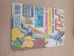 Pif Gadget 1016 Avec Gadget Et Vignettes Asterix - Pif Gadget