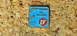 Pin's ATHLETISME - 8° Foulée De NEVERS 1992 - Peint Cloisonné - Fabricant Inconnu - Atletica