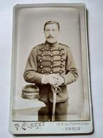 Photo CDV Militaire - Belle Photo 19 ème Régiment D'Artillerie - Sabre - Photo P. Claret, Paris  - TBE - Guerra, Militari