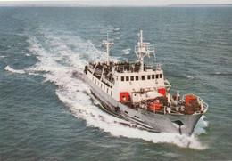 Le President AUGUSTE DURAND Effectuant La Traverséé De L'Ile D'Yeu A Fromentine - Ferries