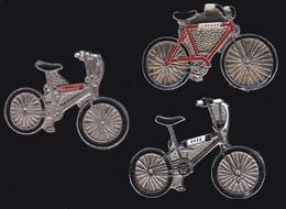 66931-Lot De 3 Pin's .Cyclisme.Vélo. - Ciclismo