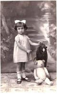ENFANT Avec JOUET : OURS EN PELUCHE / CHILD With TOY : TEDDY BEAR - VRAIE PHOTO / REAL PHOTO : BUCURESTI : 1933 (af470) - Unclassified