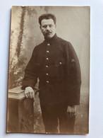 Foto Ak Soldat Belge? Francais? Insigne Uniform - Uniformes