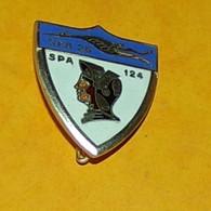 ARMEE DE L'AIR : Escadron De Chasse 1 - 5, VENDEE, émail, Visage Orange Et Marron, FABRICANT FIA ED.LYON , HOMOLOGATION - Armée De L'air