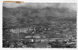 (RECTO / VERSO) ST BONNET EN CHAMPSAUR EN 1947 - VUE GENERALE AVEC LES BARRAQUES - BEAU CACHET ET TIMBRE - FORMAT CPA - Guillestre