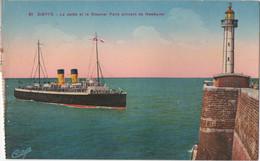 Dieppe : La Jetée Et Le Steamer Paris Arrivant De Newhaven GB - Ferries