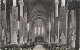 CPSM 85 Vendée - SAINT LAURENT Sur Sèvre - Intérieur De L'église - Francia