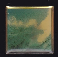 66951-Pin's.Vague.Océan.Surf.bateau - Wasserski