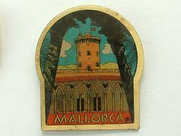 Pin's MALLORQUE - MALLORCA - Cities