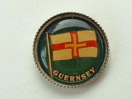 Pin's GUERNSEY - Cities