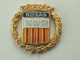 Pin's VILLE DE ROSAS - ESPAGNE - Cities