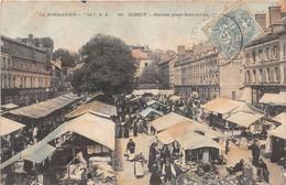 ELBEUF - Marché, Place Saint-Louis - Elbeuf