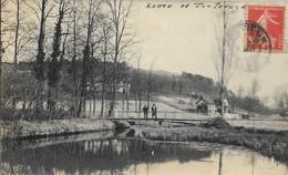 D60 - GOUVIEUX - CARTE PHOTO - ROUTE DE TOUTEVOYE - 2 Personnes Sur Le Pont - Gouvieux