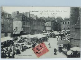 CPA - Quimper - La Place St Corentin - Un Jour De Marche - Quimper