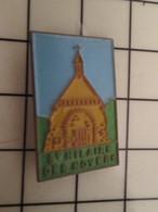 1415b Pins Pin's / Rare & Belle Qualité THEME VILLES / EGLISE ST HILAIRE DES NOYERS - Markennamen