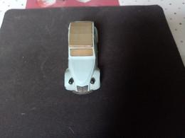 Voiture Miniature 2CV NOREV PLASTIQUE - Jouets Anciens