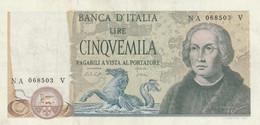 BANCONOTA 1971 COLOMBO 5000 ITALIA -TAGLIO 3 Mm SOPRA B DI BANCA UNC (ZX1469 - 5000 Lire