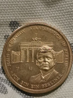 Or Plaqué Commémorative Allemagne Pièce Jeton 1963 John F. Kennedy Visite à Berlin Ch Bin Ein Berliner - Germania