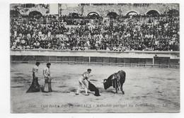 CORRIDA - N° 1889 - COURSES DE TAUREAUX - MATADOR PORTANT UN DESCABELLA - CPA NON VOYAGEE - 75 - Corrida