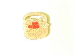 Pin S Au Marché 28 Eure Et Loir Panier - Pin's