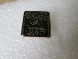 PIN'S   JACK DANIELS  WHISKEY - Boissons