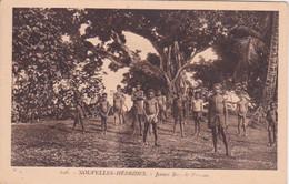 OCEANIE - VANUATU -  LES NOUVELLES HEBRIDES - JEUNES BEYS DE PAOUMA. - PRES DE LA NOUVELLE CALEDONIE - Vanuatu