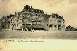 Belgique  /  La Panne  // La Digue Et L'Hotel Deschamps - De Panne