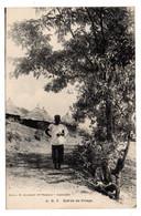 Guinée Française  -- A.O.F -- Entrée De Village   (  Animée  ) ...... à   Saisir - Guinea Francesa
