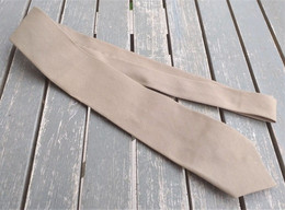 Cravatta Kaki Estiva Carabinieri Anni '70/80 Originale Rara Ottimo Stato - Uniforms