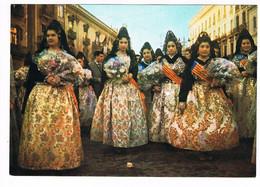 CPA. Espagne.Jeunes Femmes En Costumes De Fête.   Pub Au Dos. (AA1.16) - Spagna
