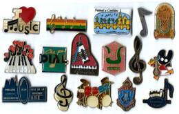 M4 - MUSIQUE - LOT De 16 Pin's Divers Différents - Musica