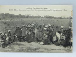CPA - Soudan - Peche Dans Une Mare - Les Femmes Se Disposant A Entrer Dans L Eau - Sudan