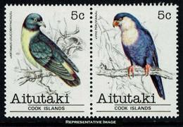 Scott 224a   5c Artamus Leucorhynchus And 4c Vini Peruviana Birds Se-tenant Pair. Mint Never Hinged. - Aitutaki