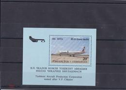 1995. Uzbekistan.  Aircrafts Of Tashkent's (Mi. Bl. 8) MNH - Uzbekistan
