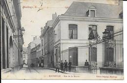 "MAUBEUGE "" Rue De La Mairie Animée ""  N°820 - Maubeuge"
