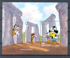 NfgA138 WALT DISNEY MICKEY GOOFY MINNIE DONALD STONEHENGE ENGLAND PHOTOCAMERA BHUTAN 1991 PF/MNH - Disney