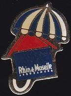 67078-Pin's.Rhin Et Moselle Assurances. - Banks