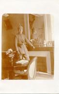 CARTE PHOTO ALLEMANDE - OFFICIERS DANS UNE HABITATION DE SAINT MIHIEL MEUSE - GUERRE 1914 1918 - Oorlog 1914-18