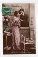 - CPA COUPLES - Avec La Main On Prend La Fleur... - Série 201 - - Couples