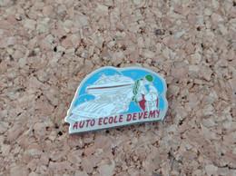 PINS AUTO ECOLE DEVEMY SAINT OMER (62) - Pin's
