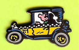 Pin's BD Gaston Lagaffe Voiture Automobile - 6D05 - Fumetti