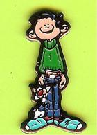Pin's BD Gaston Lagaffe Chat Dingue À Ses Pieds - 6D09 - Fumetti