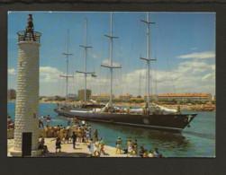 """Bateau /  Voilier 4 Mats / Le """" Club Méditerranée """" Au Port De Saint Raphaël - Velieri"""